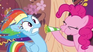Pinkie_Pie_blows_party_horn_in_Rainbow's_face_S4E04
