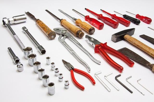 tool-379596_640.jpg