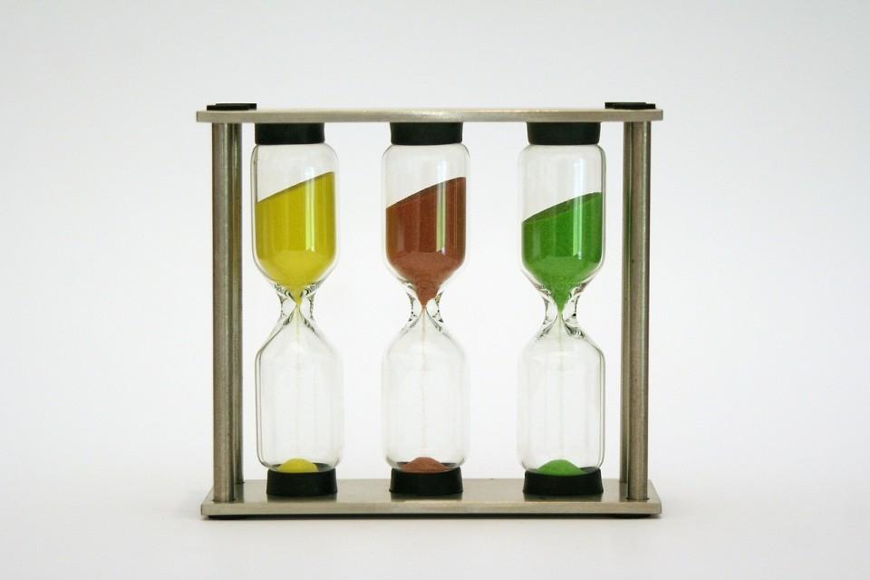 hourglass-972324_1280-960x640.jpg