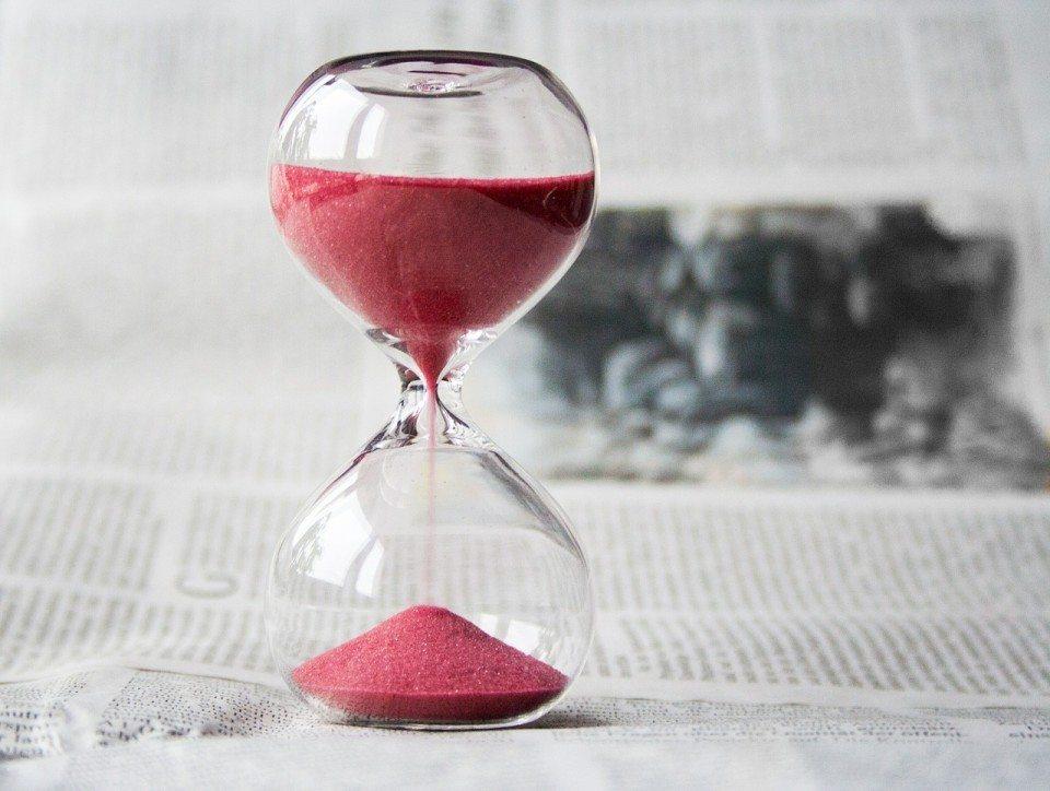 hourglass-620397_1280-960x724.jpg