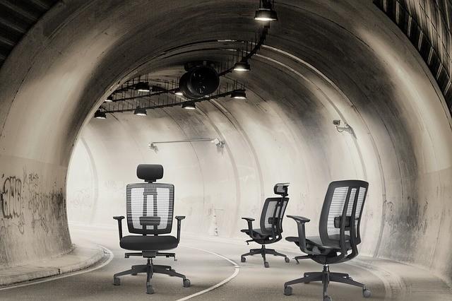 chair-452192_640.jpg