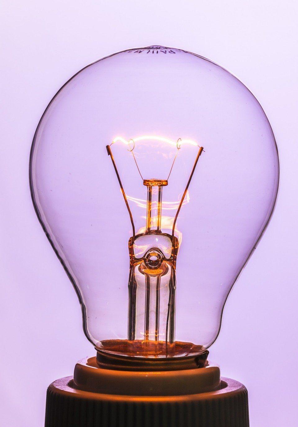 light-bulb-376930_1920-960x1376.jpg