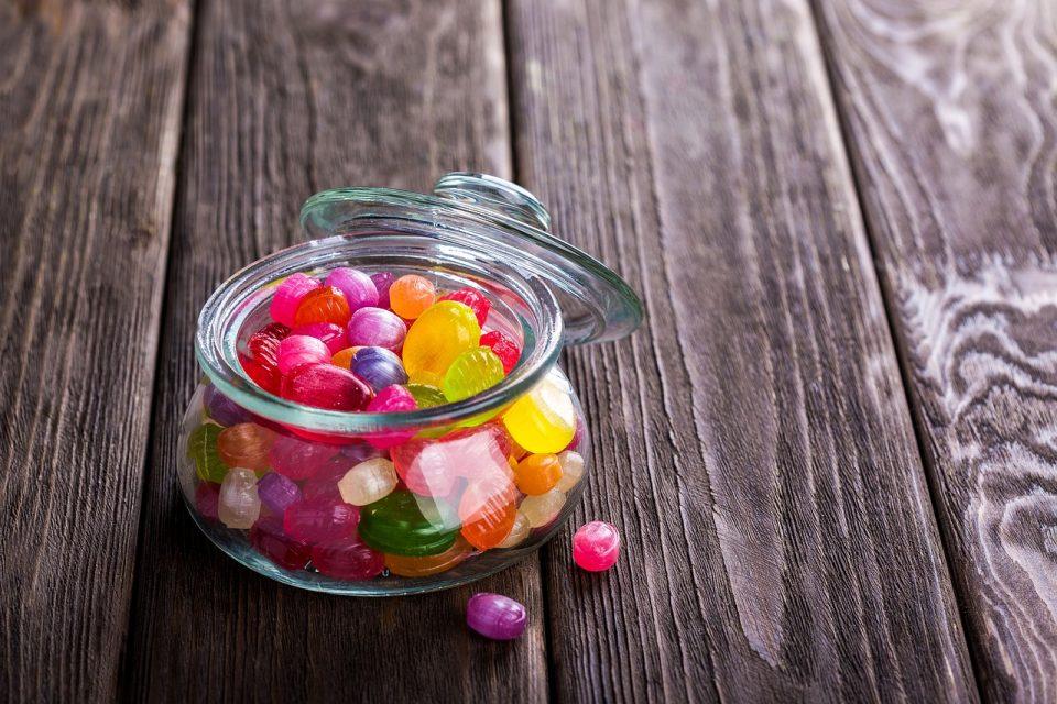candy-1961536_1280-960x640.jpg